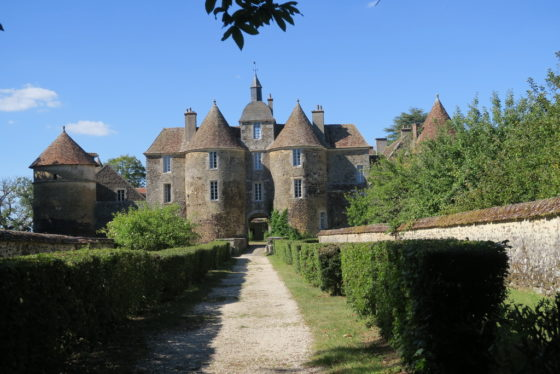 Chateau de Ratilly: uno stage di acquerello e yoga